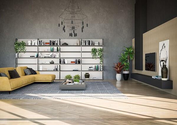 Sala de estar ampla com sofá amarelo com chaise