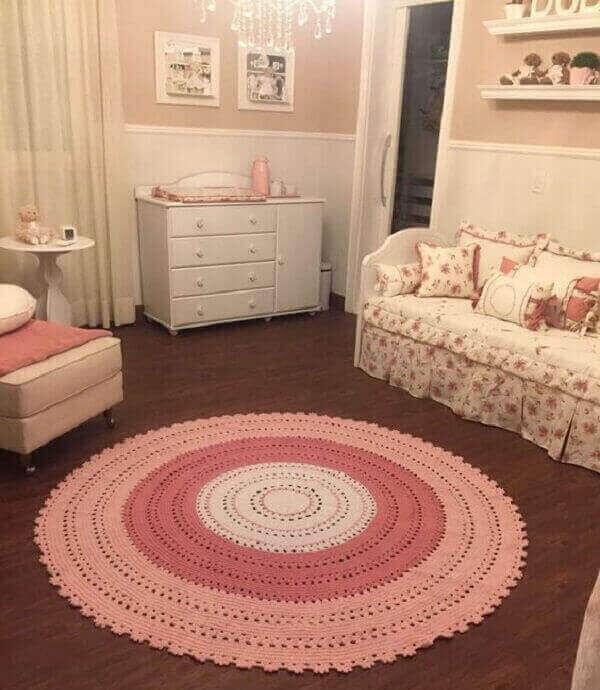 Tapete rosa em degradê para o quarto infantil
