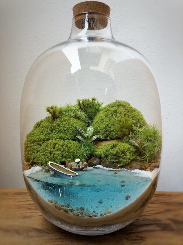 Cultive um lindo terrário dentro de um recipiente de vidro grande