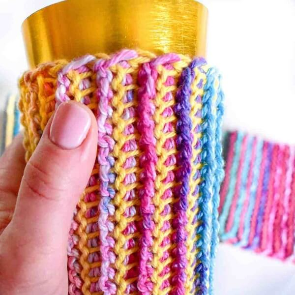 Utilize linhas coloridas para colocar em prática a técnica de crochê tunisiano