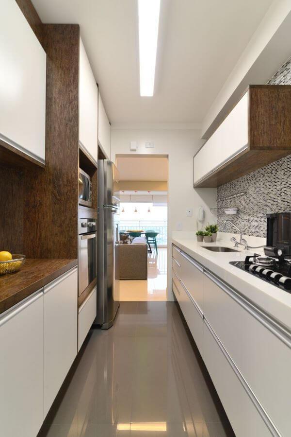 Armário de cozinha planejada cozinha com iluminação