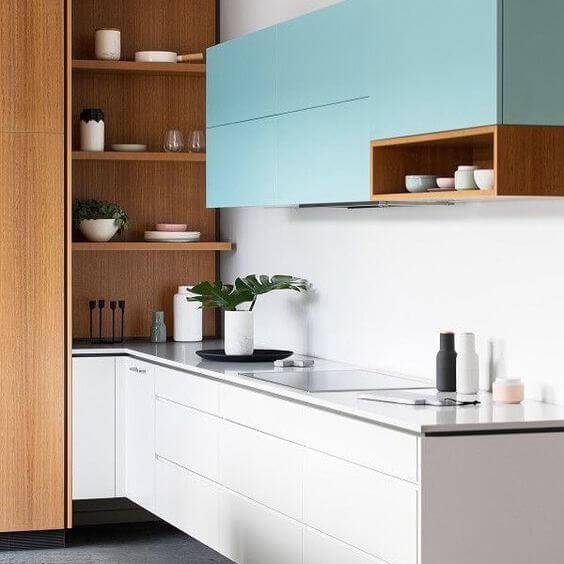 Armário de cozinha azul e madeira