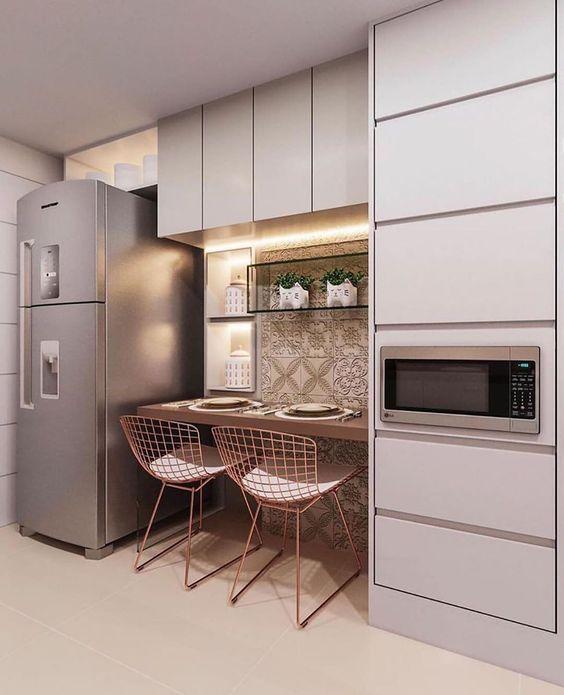 Armário de cozinha pequena com bancada cobra