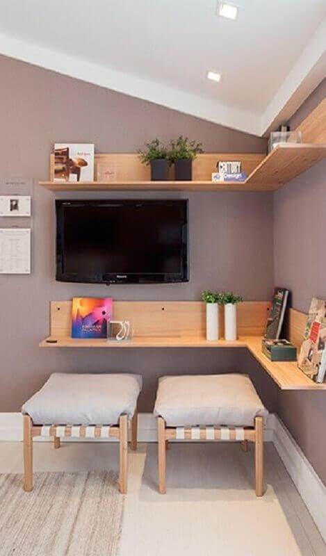 bancada de madeira para decoração de quarto de hóspedes