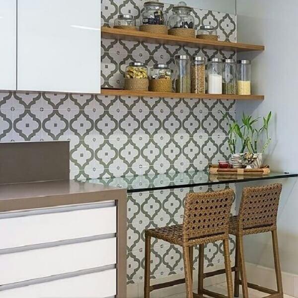 Modelo de bancada suspensa cozinha feita de vidro