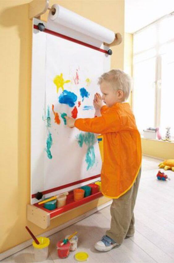 Brinquedoteca com tintas coloridas