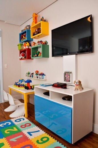 Brinquedoteca com televisão