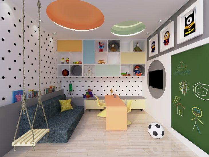 Brinquedos no quarto infantil