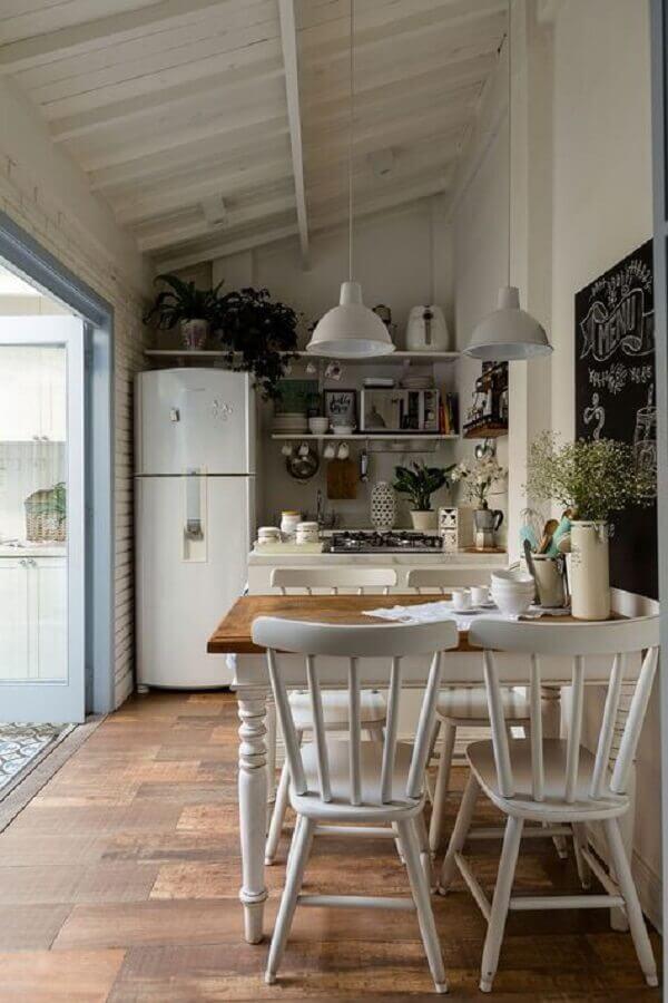 cadeira de madeira branca para cozinha simples e pequena Foto Social Decoracion