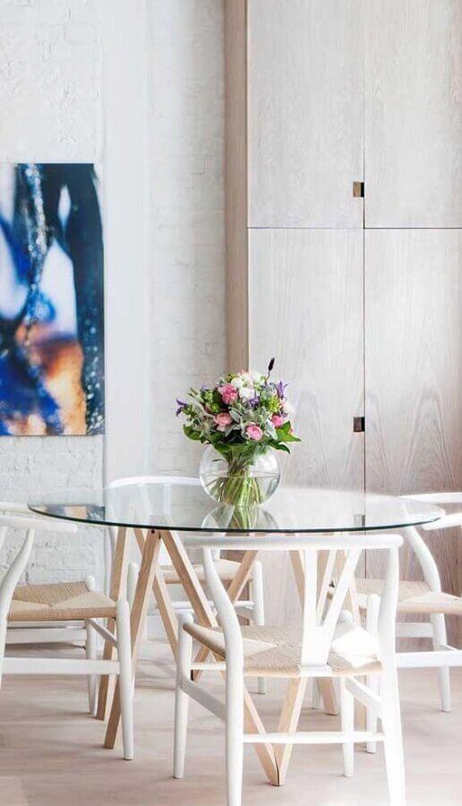 cadeira de madeira branca para sala de jantar com mesa de vidro Foto Pinterest