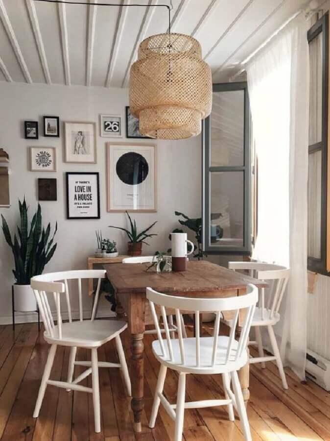 cadeira de madeira branca para sala de jantar com pendente rústico Foto Pinterest