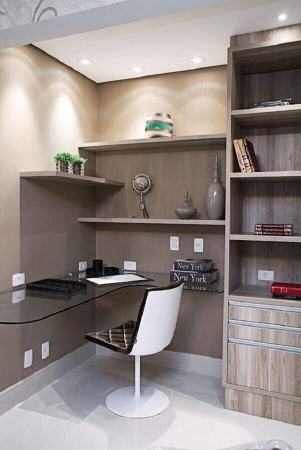 cadeira para escritório branca com estofado preto Foto Etsy