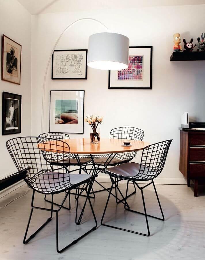 cadeiras aramadas para decoração de sala de jantar Foto Webcomunica