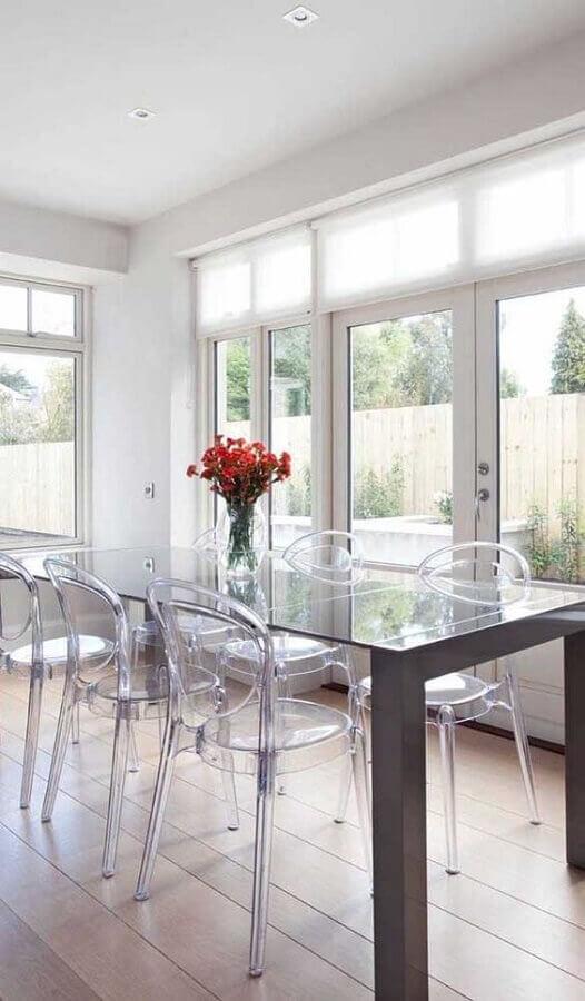 cadeiras de acrílico transparente para decoração de sala de jantar Foto Archidea
