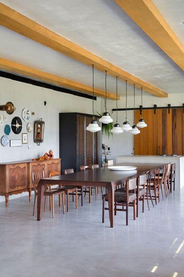 cadeiras de madeira para sala de jantar ampla Foto Casa de Valentina