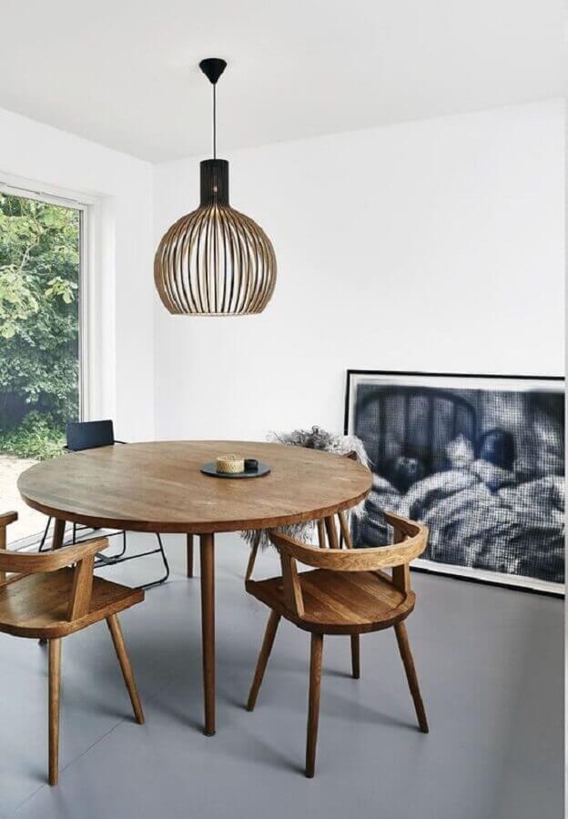 cadeiras de madeira para sala de jantar minimalista com mesa redonda de madeira Foto Wood Save