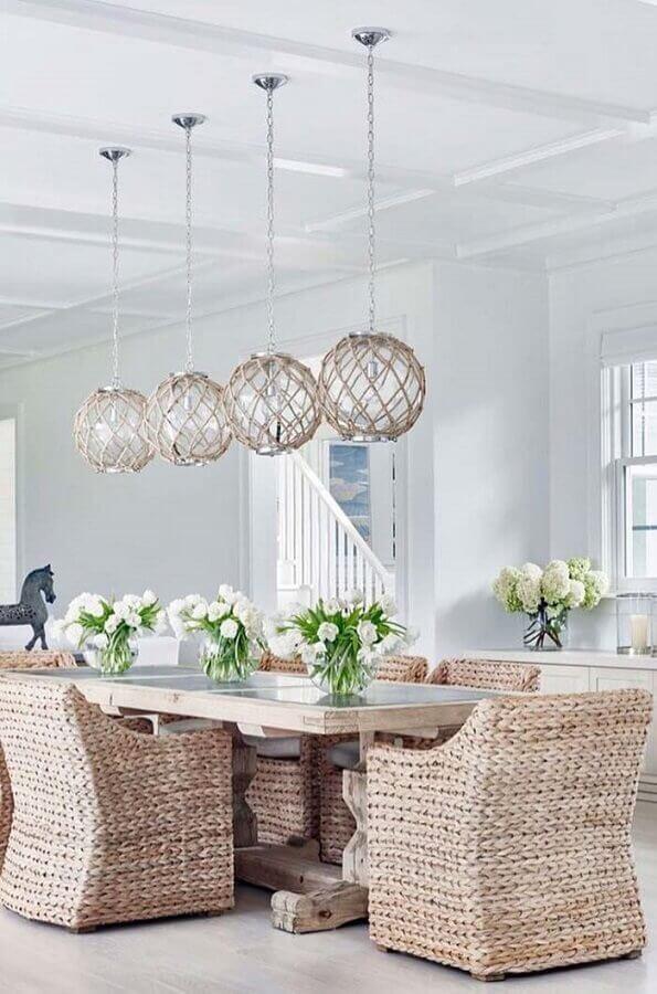 cadeiras de vime para decoração de sala de jantar Foto Arquidicas