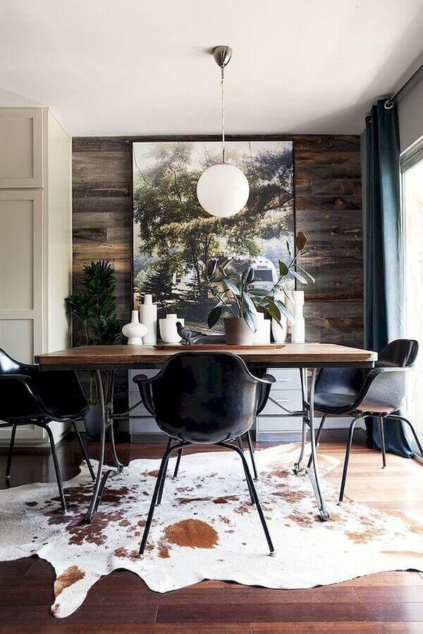cadeiras para sala de jantar decorada com tapete de couro Foto Behance