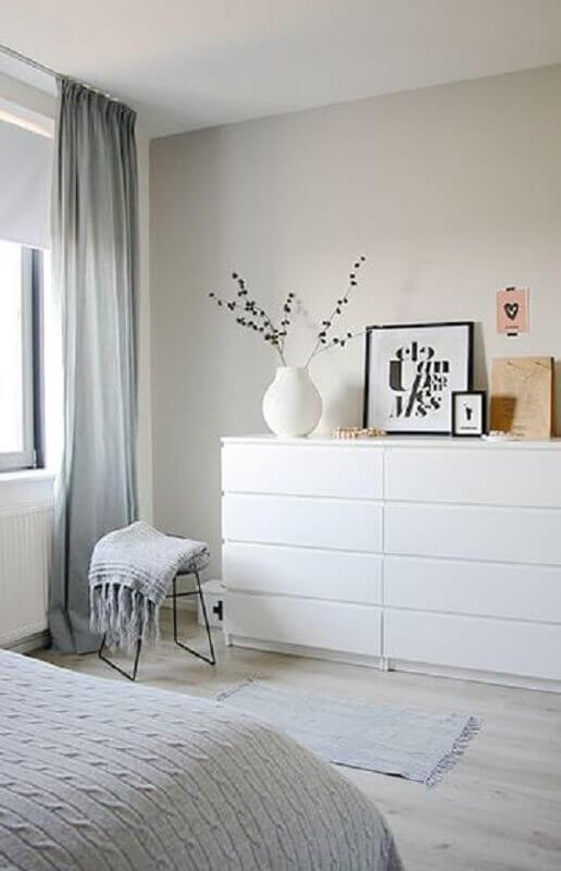 decoração clean com cômoda branca quarto Foto Moderne Huizen