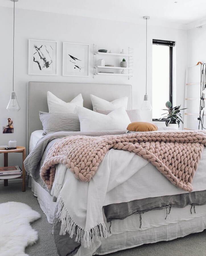 decoração de quarto de moça cinza e branco Foto We Heart It