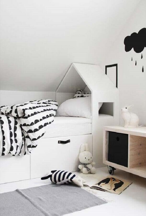 decoração lúdica para quarto branco Foto Behance