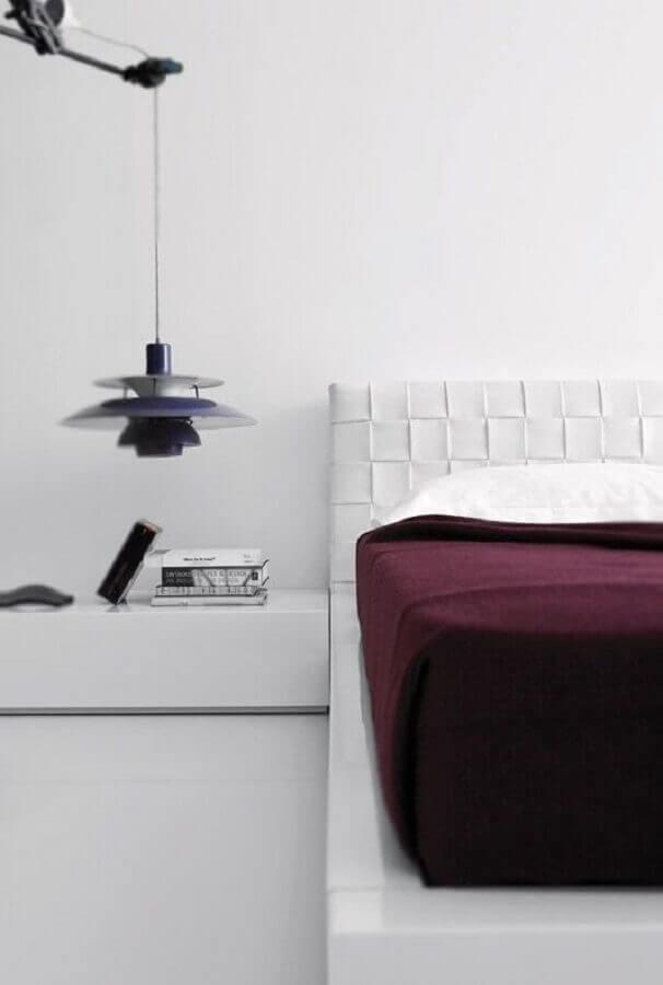decoração moderna para quarto branco de casal Foto Home and Delicious