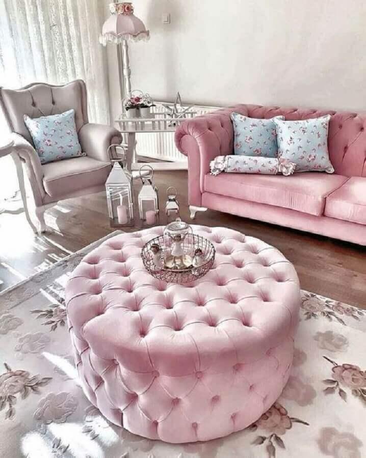 decoração provençal para sala com puff capitonê rosa Foto Decor Life Style