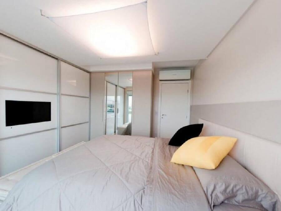 decoração simples para quarto branco planejado Foto Juliana Pippi