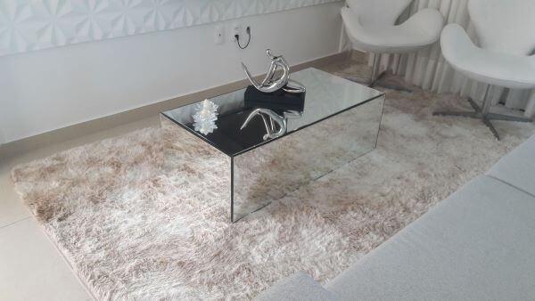 Mesa pequena para sala de estar