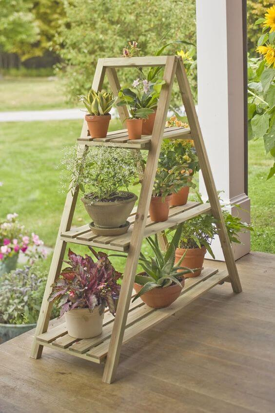 Floreira de madeira para jardim