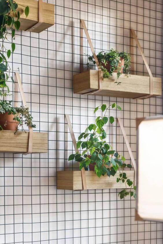 Floreira de parede com plantas