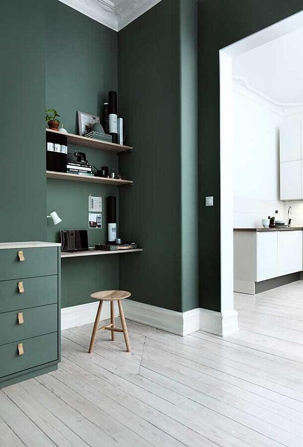 home office decorado com parede verde Foto Arco Consultoria