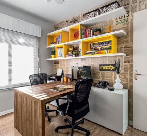 Traga um ar descontraído utilizando cores alegres para a decoração do escritório planejado
