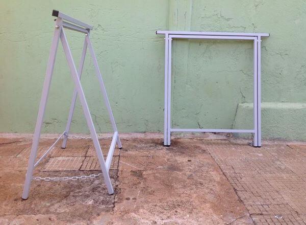 Cavalete de ferro para mesa moderna e dobrável