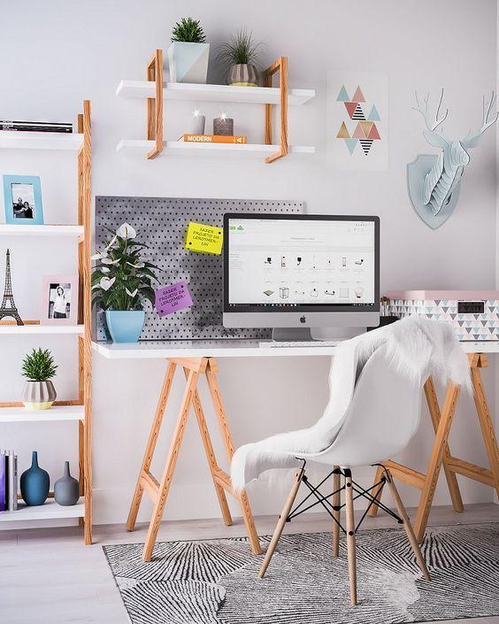 Mesa cavalete no escritório