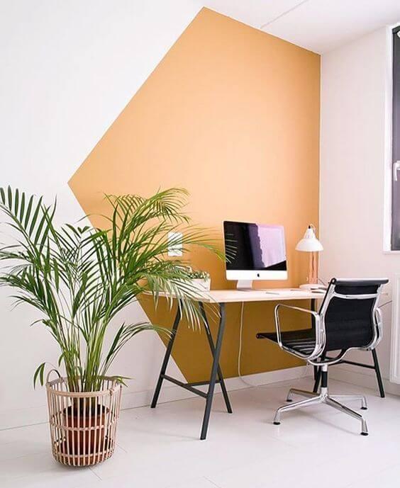 plantas no escritório para deixar o ambiente com mesa cavalete