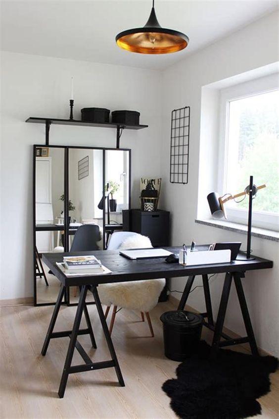 Mesa cavalete preta para escritório moderno