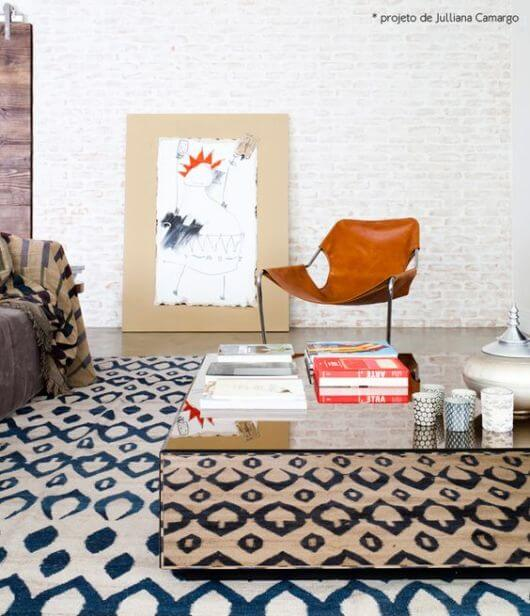 Mesa de centro espelhada na decoração de casa