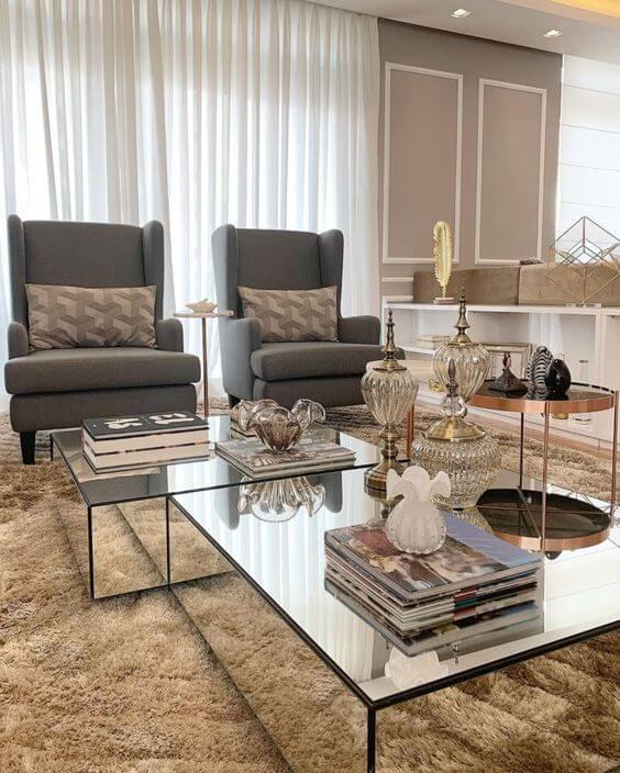 Mesas de centro espelhada na sala de estar