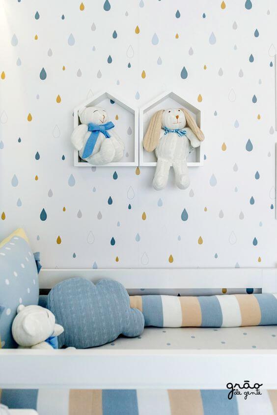 Nichos de madeira para quarto de bebê