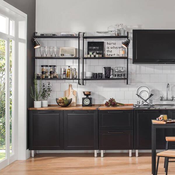 Nichos de madeira preto e branco