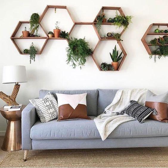 Nicho hexagonal para sala de estar azul