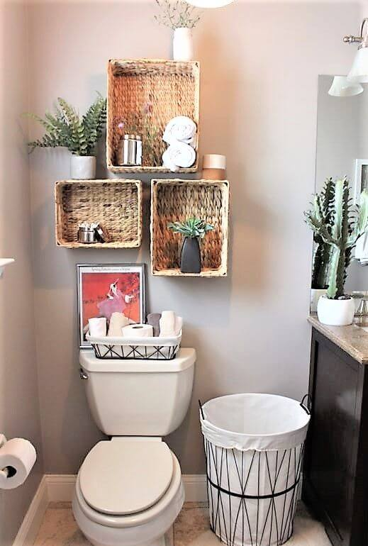 Nichos para banheiro feitos de artesanatos em geral, como caixas organizadoras