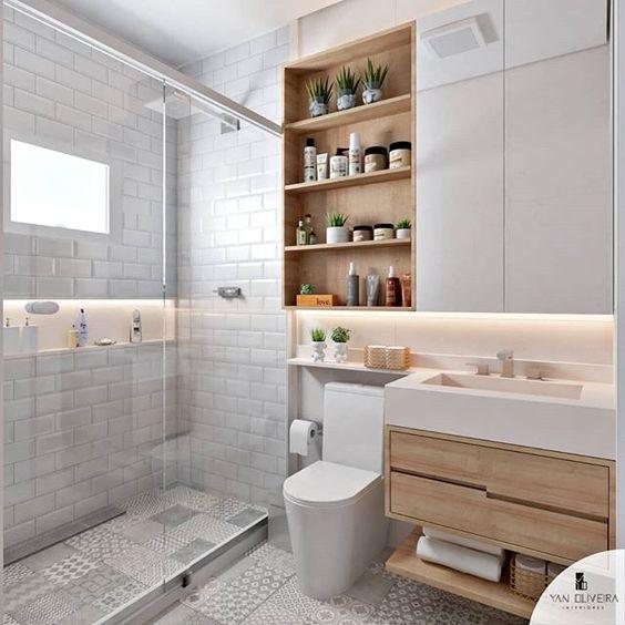 Nichos para banheiro branco e de madeira