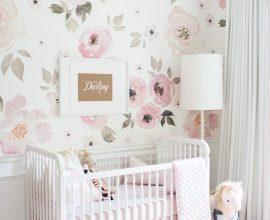 papel de parede floral para quarto de bebê feminino