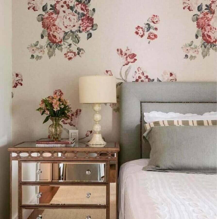 papel de parede para quarto de moça com estampa floral e decoração clássica Foto Webcomunica