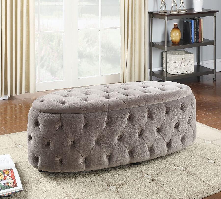 puff capitonê oval Foto Totally Furniture