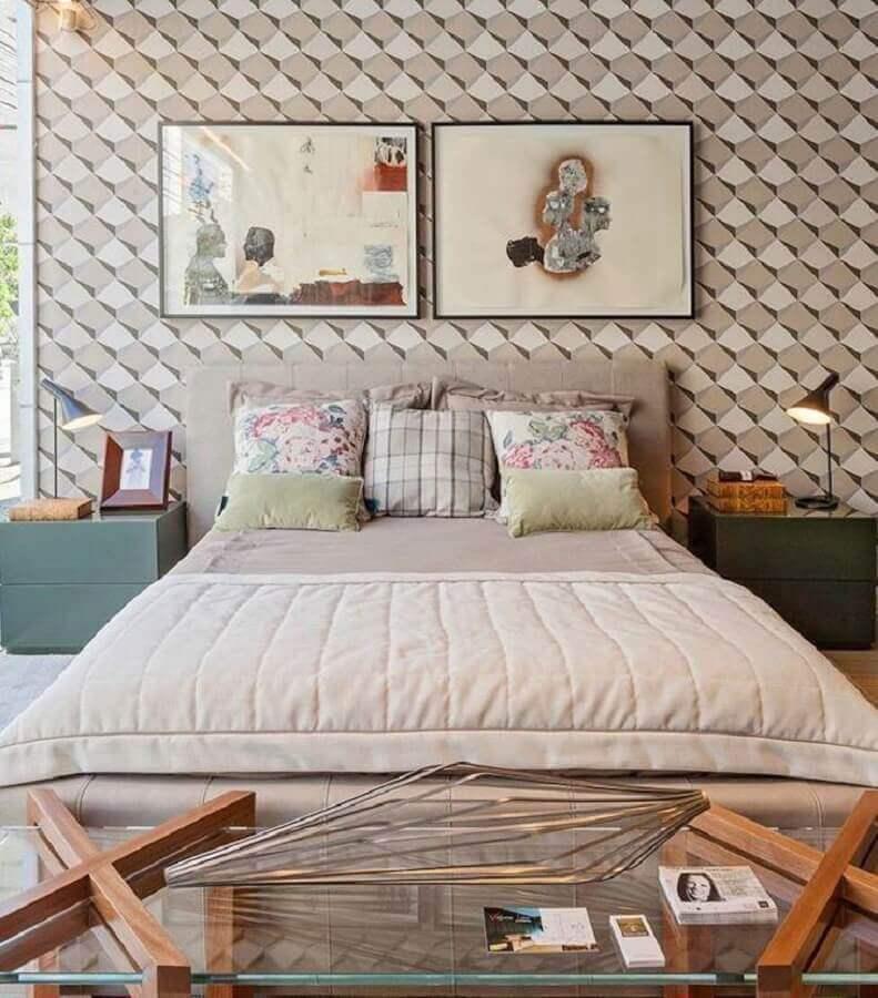 quadros para quarto de moça com papel de parede 3d Foto Denise Vilela