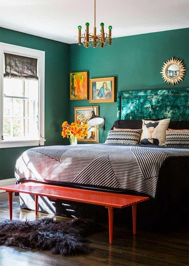 quarto de casal decorado com parede verde Foto Pinterest
