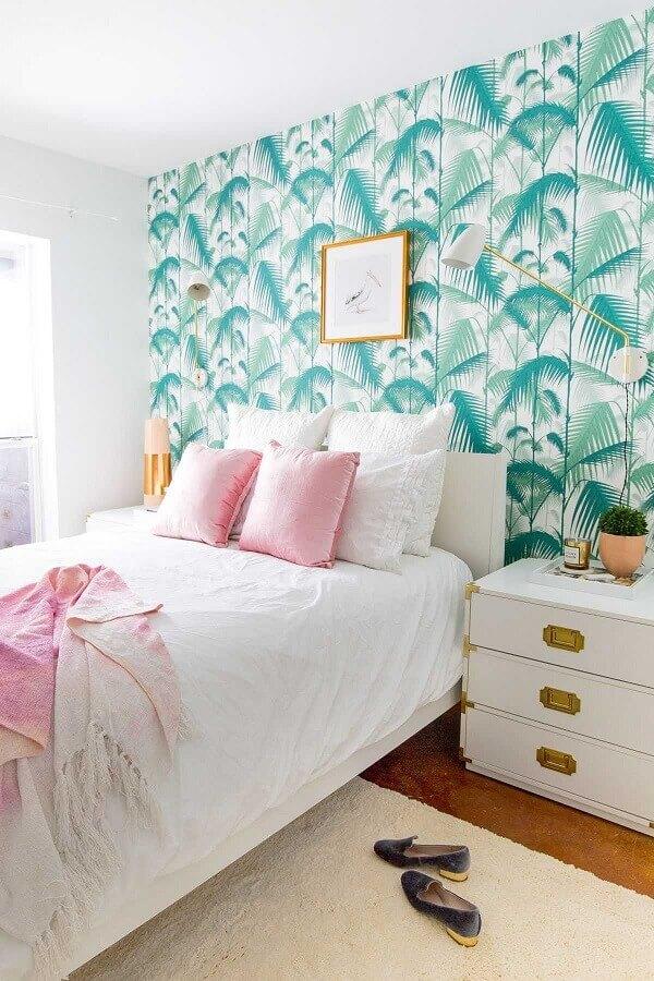 quarto feminino decorado com papel de parede verde com folhagens Foto Amy Home Decor